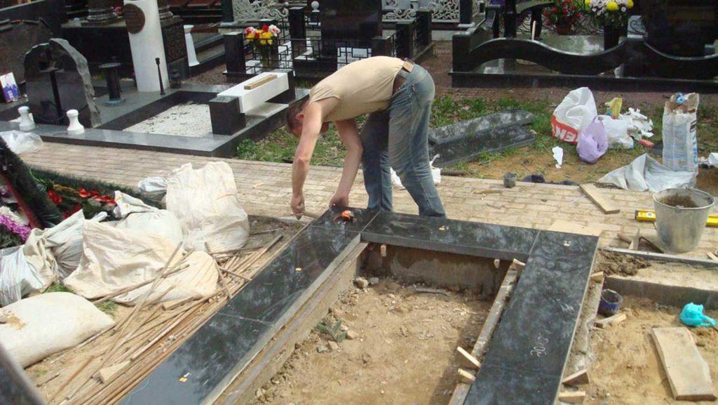 Как установить памятник на кладбище цена на памятники в самаре Раменское